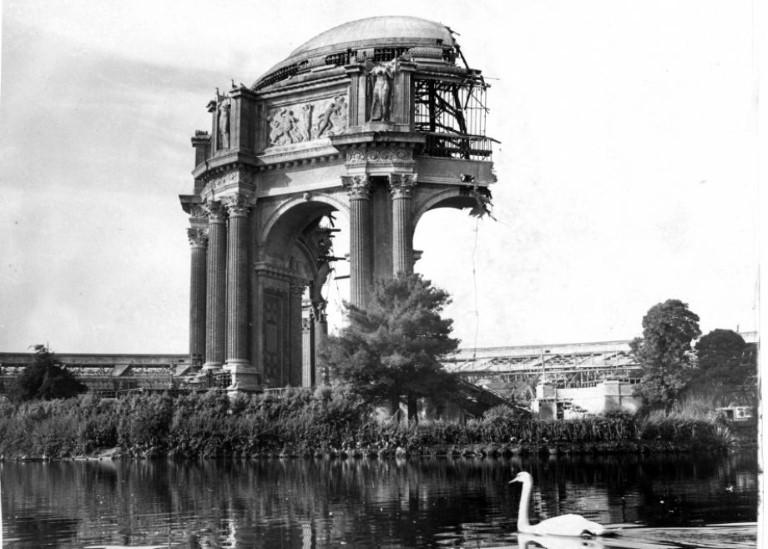 rotunda-rebuilding
