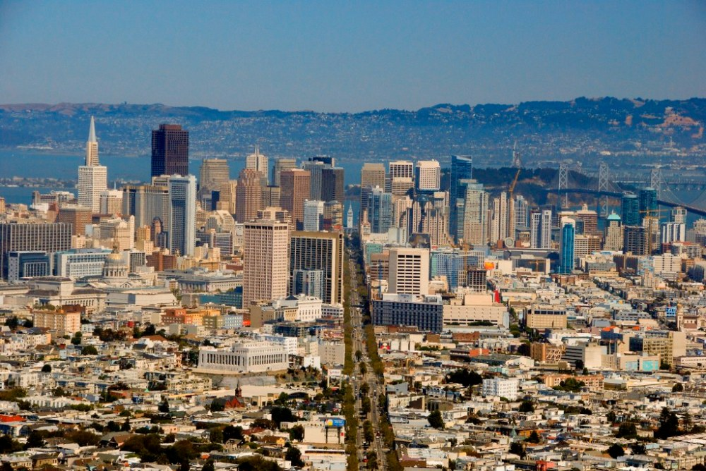 sf_twin_peaks_view_down_market_st.jpg
